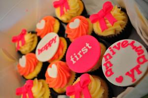anniversary cupcake bonito